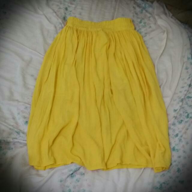 亮黃色長裙