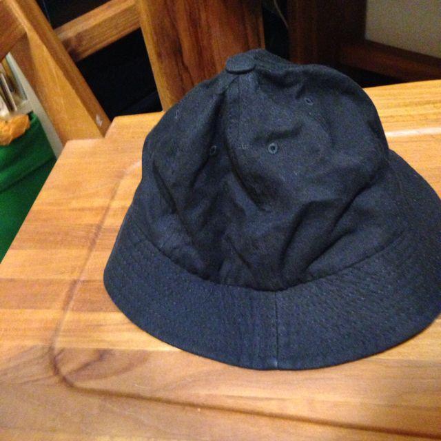 黑 素 色 漁夫 帽