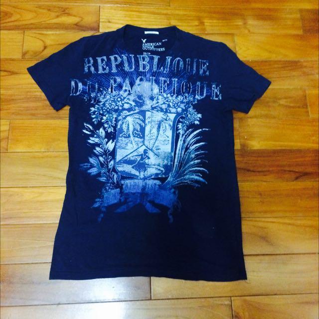 American Eagle 深藍色短袖t Shirt (xs)