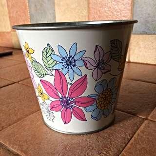 Lovely Metal Plant / Flower Pot