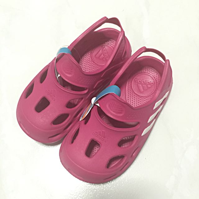 098fd2e06e92 Brand New Adidas Varisol Sandals Berry UK9