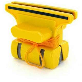 SALE (INSTOCK Clearance) MAGNETIC Window Cleaner