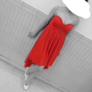 紅色小禮服
