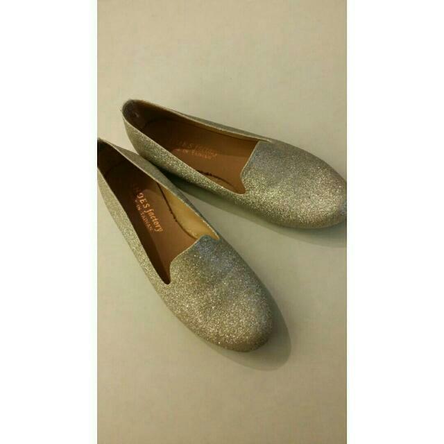 全新銀色樂福鞋