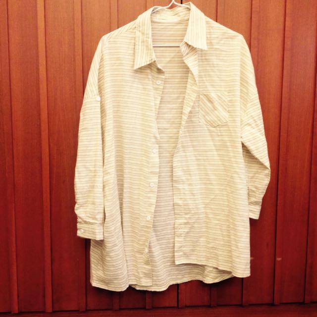 百搭淺褐色襯衫