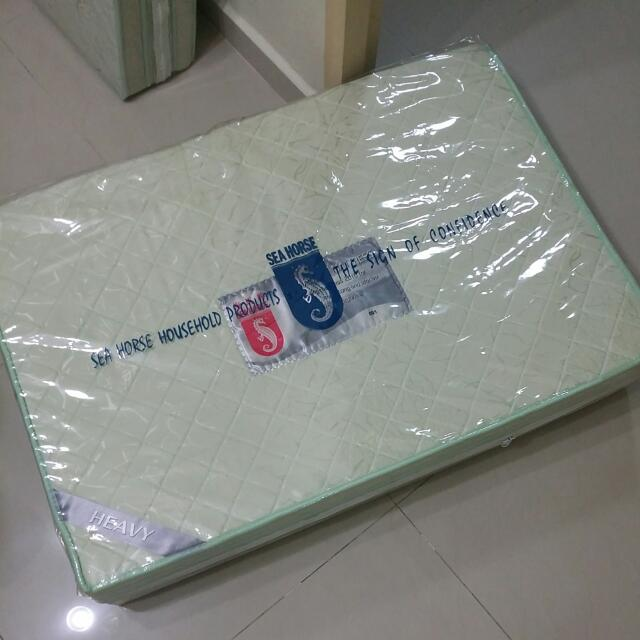 (Reserved) Seahorse Foldable Mattress Heavy (Available in June)