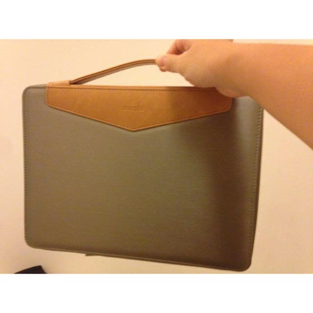 Moshi 13 Inch Laptop Bag