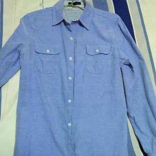 淺藍素襯衫