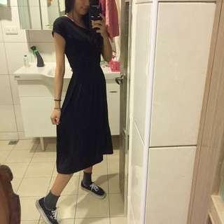 短袖黑長裙