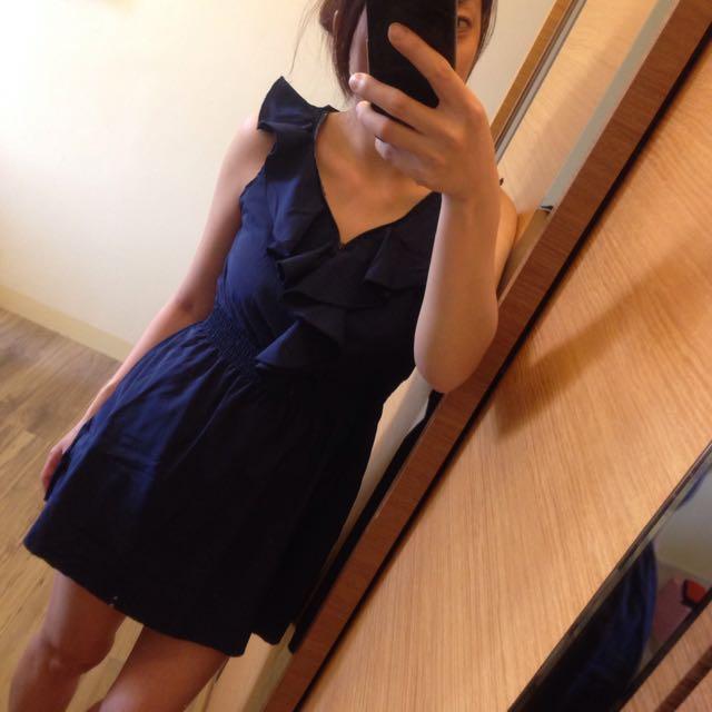 荷葉邊連身衣裙