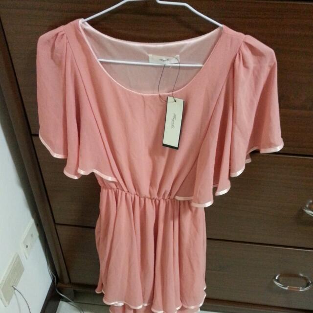粉色雪紡洋裝