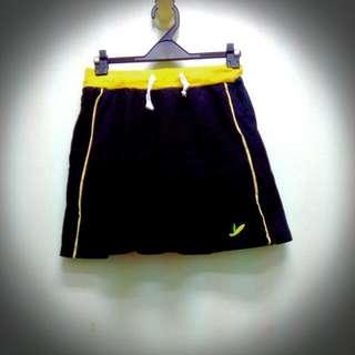 九成新運動褲裙