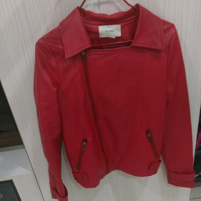 紅色皮外套
