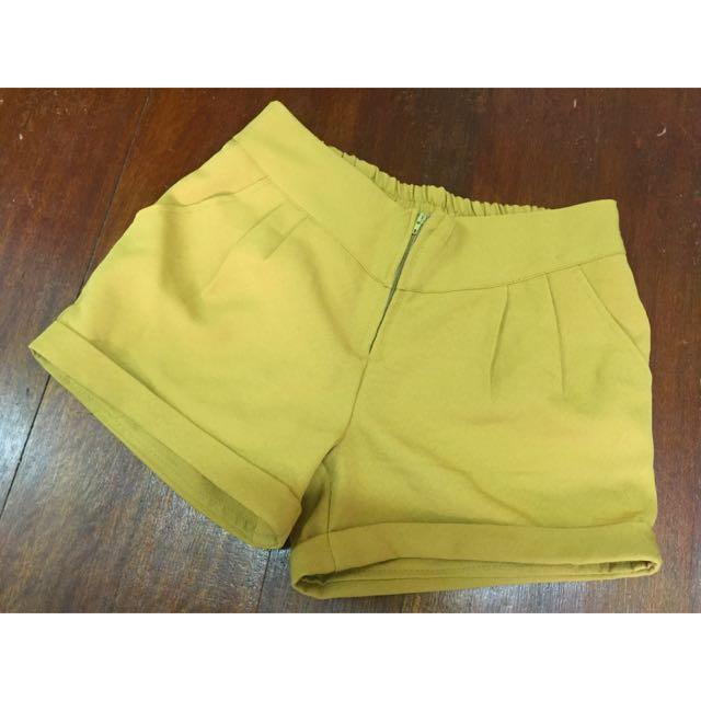 芥末黃鬆緊短褲