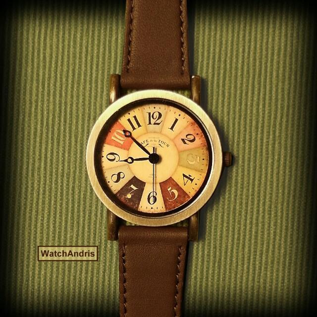 飛鏢盤復古手錶