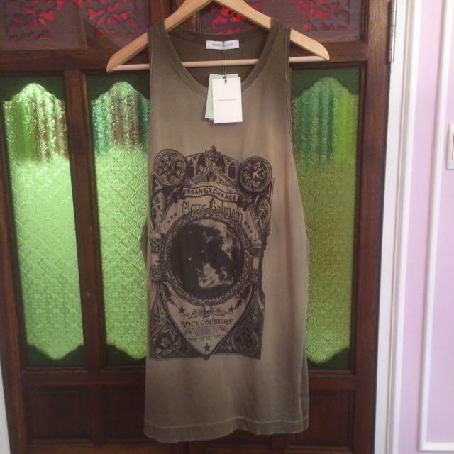 df194016fc7 Pierre Balmain Vest Singlet, Women's Fashion on Carousell