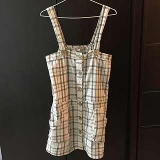 可愛鈕扣雙線格子吊帶裙