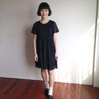 雕花蕾絲洋裝(全新)