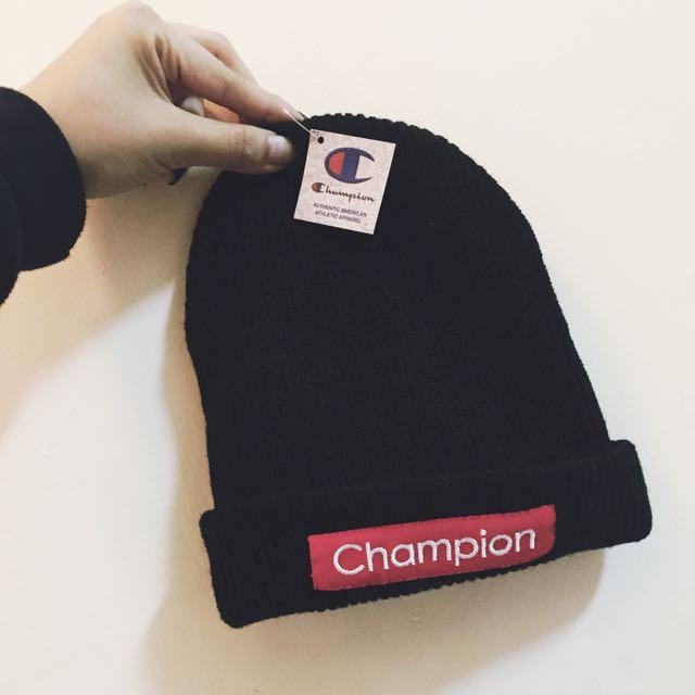(近全新)champion 黑色毛帽