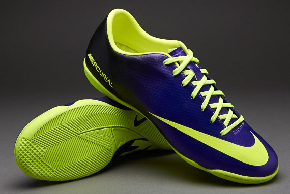 fb123a433 Nike Mercurial Victory IV Indoor Soccer Shoes Electro Purple and Volt (Gum  sole), Men's Fashion on Carousell