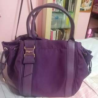 100% authentic Pre loved Salvatore Ferrgammo bag - Excellent condition !  Fast deal price