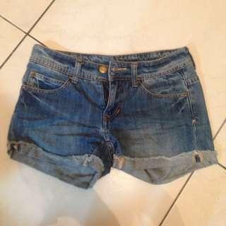 降價⬇️牛仔短褲 顯瘦 淺色