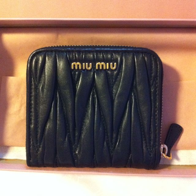 Almost Brand New Miu Miu Short Wallet 1a60e6c3a927