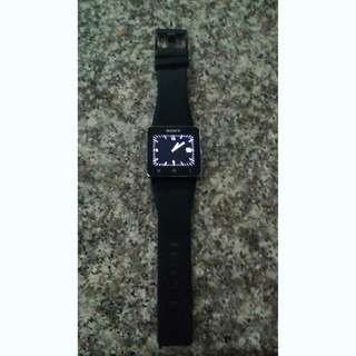 SELLING SONY SMARTWATCH 2 IN GOOD CONDITION