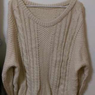 米白 寬版 粗針織 毛衣