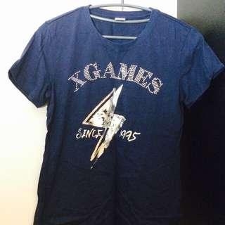 深藍色閃電t-shirt