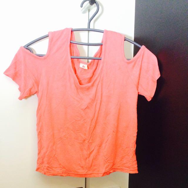 粉橘色挖肩短版上衣