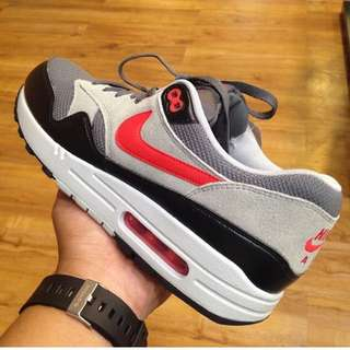 innovative design b2ff6 c603a Nike Air Max 1 Essential