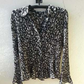 Mark& Spencer Ruffles Top. New Without Tag. Size 16.