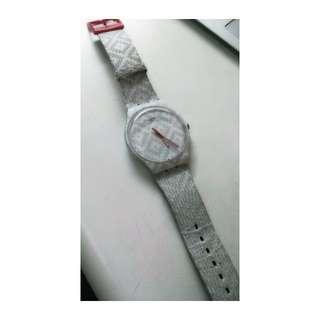 Swatch 灰白方格 錶