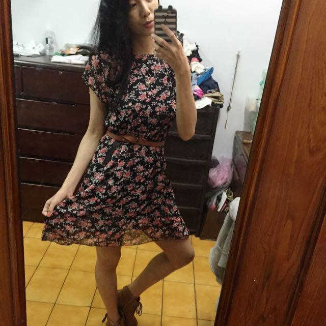 復古碎花洋裝
