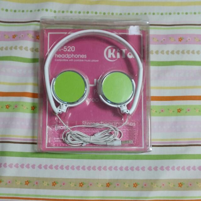 青蘋綠耳罩耳機