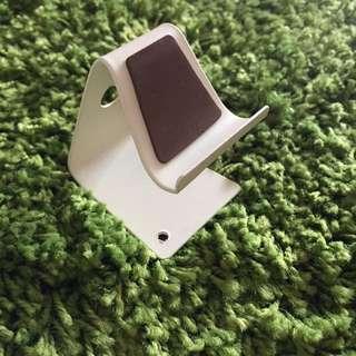 [全新]放在桌上用手機看電視超方便手機立架💕(iphone6の大小可以唷)