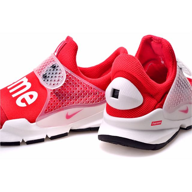 best service 2acb8 afd99 Nike Sock Dart Supreme, Bulletin Board, Preorders on Carousell