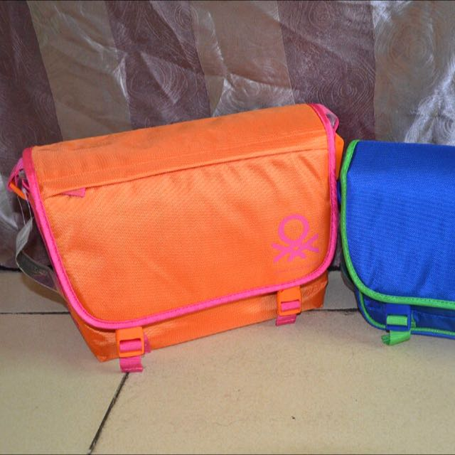 United Colors Of Benetton相機包 側背包 郵差包 亮橘 斜背包