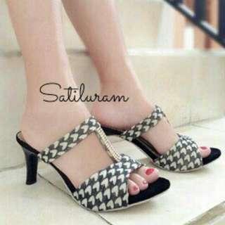 Black White Low Heels