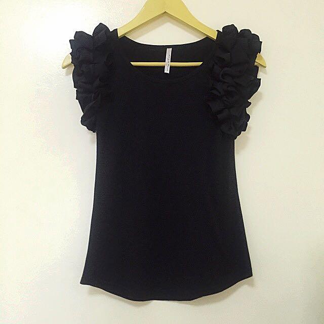 Preloved Black Ruffled Sleeve Top