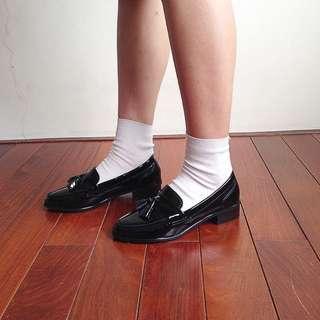 保留中-歐美漆皮流蘇平底鞋(二手)