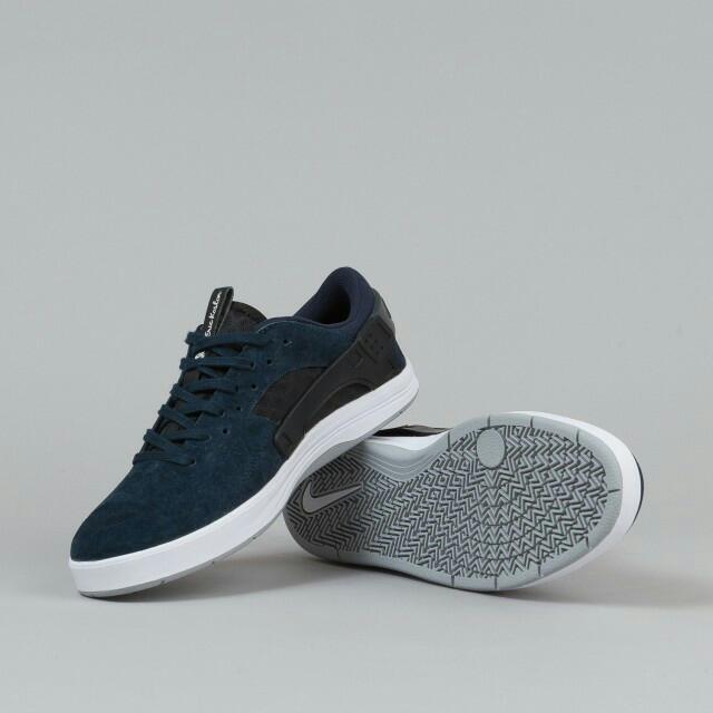 new styles 8b4b5 29e48 Nike SB Eric Koston Huarache Edition, Men s Fashion on Carousell