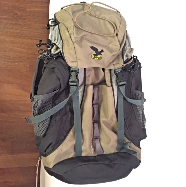 Salewa Country 22 Day Pack Backpack With iPad Holder And Back Ventilation  Against Sweating 2c0e5b8c53c29