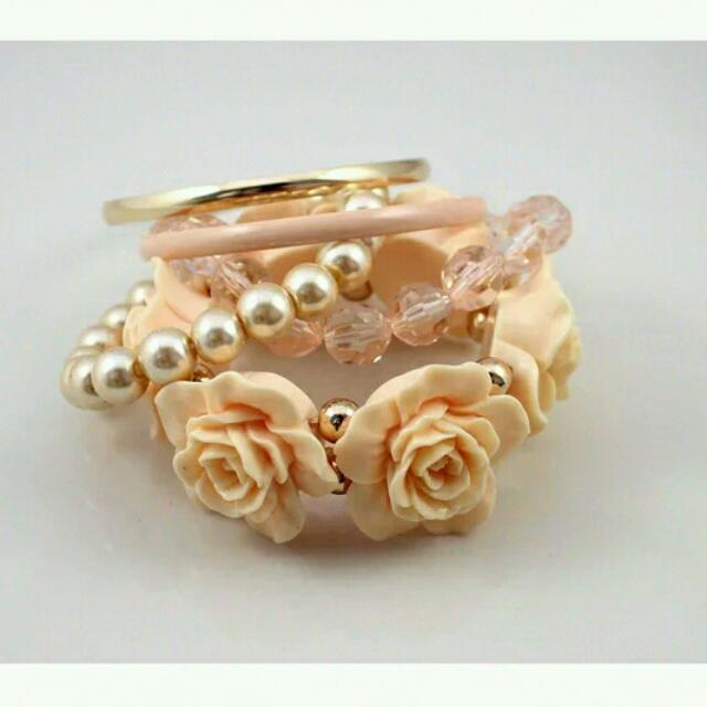 (💲180含郵)花朵珍珠五層手鍊10152✈®_LADY