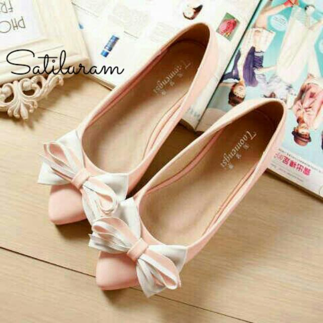 Ribbon Two Colours Flat Shoes