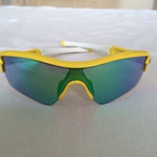 Authentic Oakley Radar Men's Sunglasses