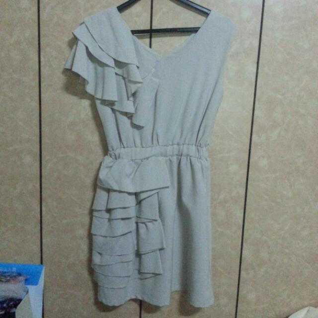 全新造型洋裝