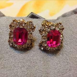 桃紅寶石水鑽金色耳環