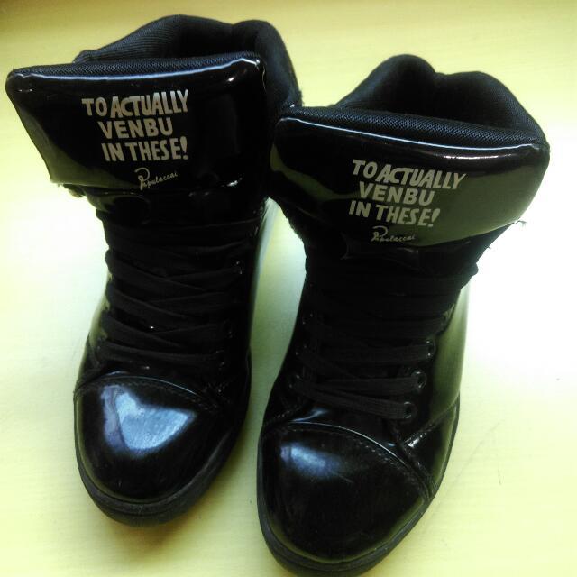 英文字樣高統鞋